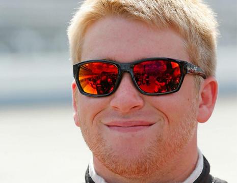 1位おめでとう!若きNASCARエドライバー「クリス・ブエスチャー」
